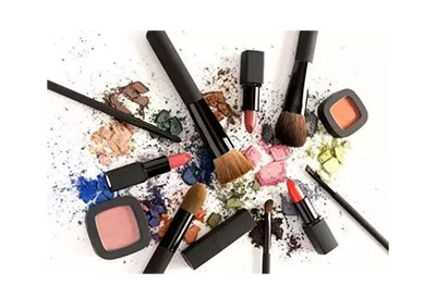 fake-cosmetics-from-the-original